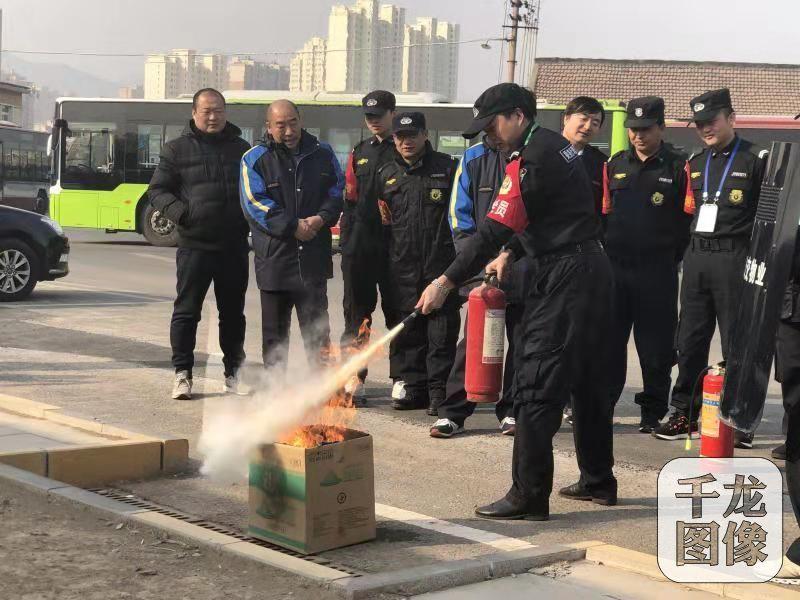 北京公交车队开展反恐处突演练